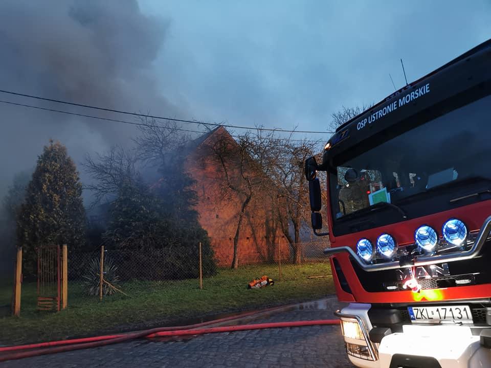 pozar 1 - Spłonął tartak w Stramnicy (ZDJĘCIA)