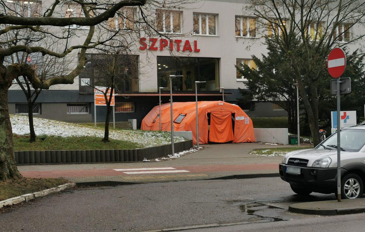 W kołobrzeskim szpitalu uruchomiono trzeci oddział covidowy