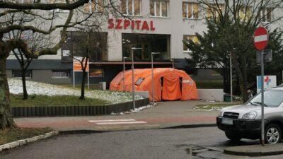 Szpital w Kołobrzegu zmniejsza liczbę łóżek covidowych. Wraca więc jeden z oddziałów (komunikat)