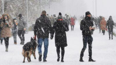 Noworoczny spacer. Tęskniliście za białą zimą?