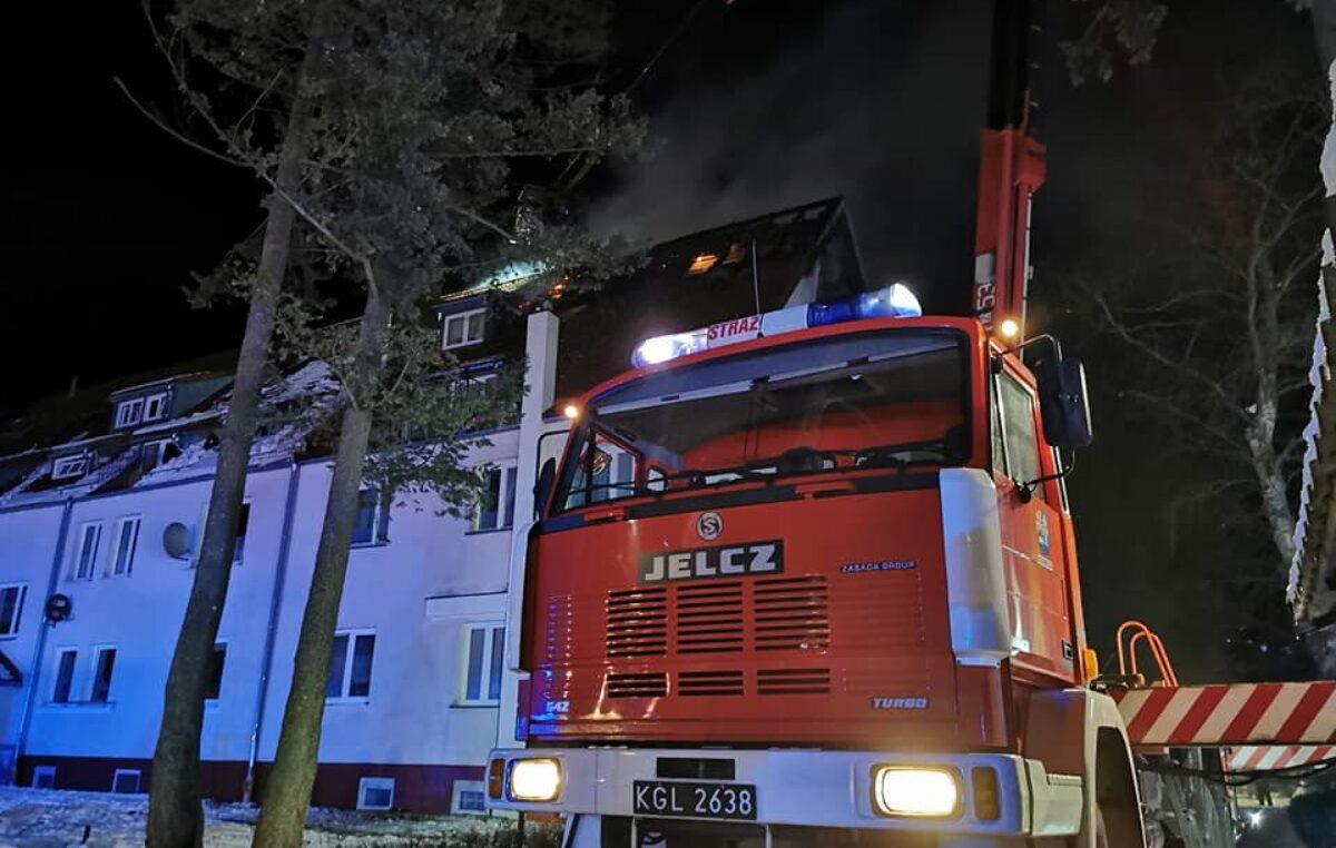 Pożar budynku wielorodzinnego w Podczelu