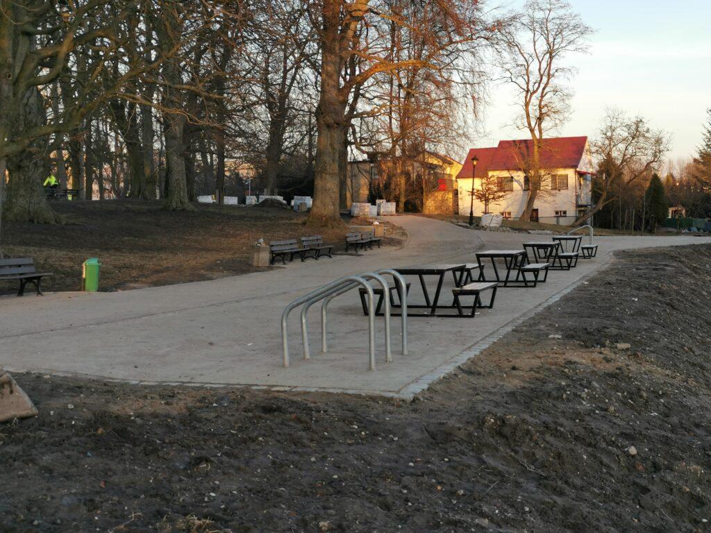 park 2 1024x768 - W przyszłym tygodniu koniec przebudowy alejek w parku Dąbrowskiego (ZDJĘCIA)