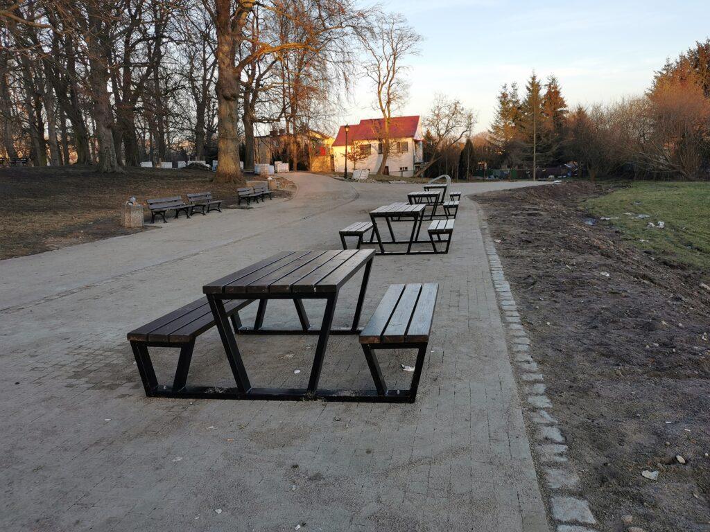 park3 1 1024x768 - W przyszłym tygodniu koniec przebudowy alejek w parku Dąbrowskiego (ZDJĘCIA)