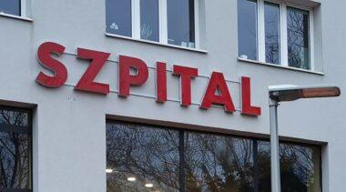 """Szpital w Kołobrzegu wznawia szczepienia przeciwko  COVID-19 grupy """"0"""""""