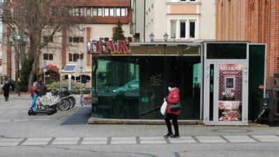 Trzy firmy chcą wyremontować Adabar. Za rok zabytkowe piwnice ratusza mają zostać oddane młodzieży