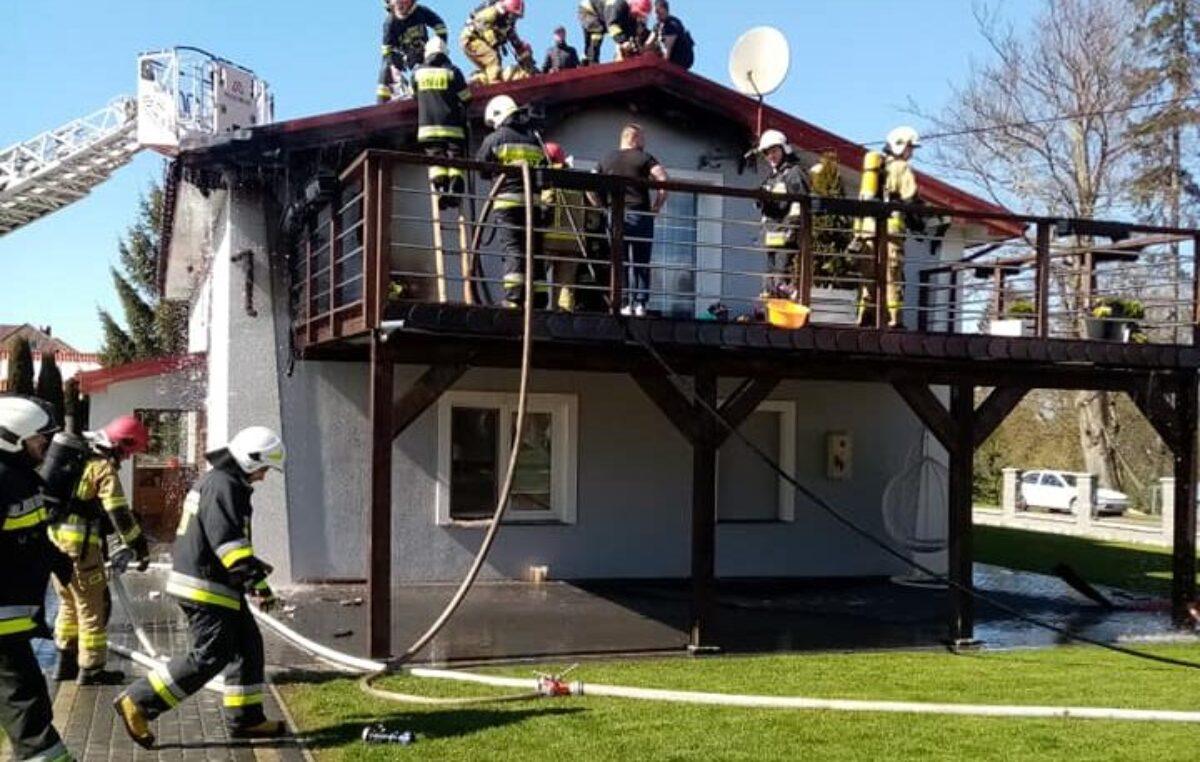 Pożar jednorodzinnego domu w Niemierzu (gm. Siemyśl)