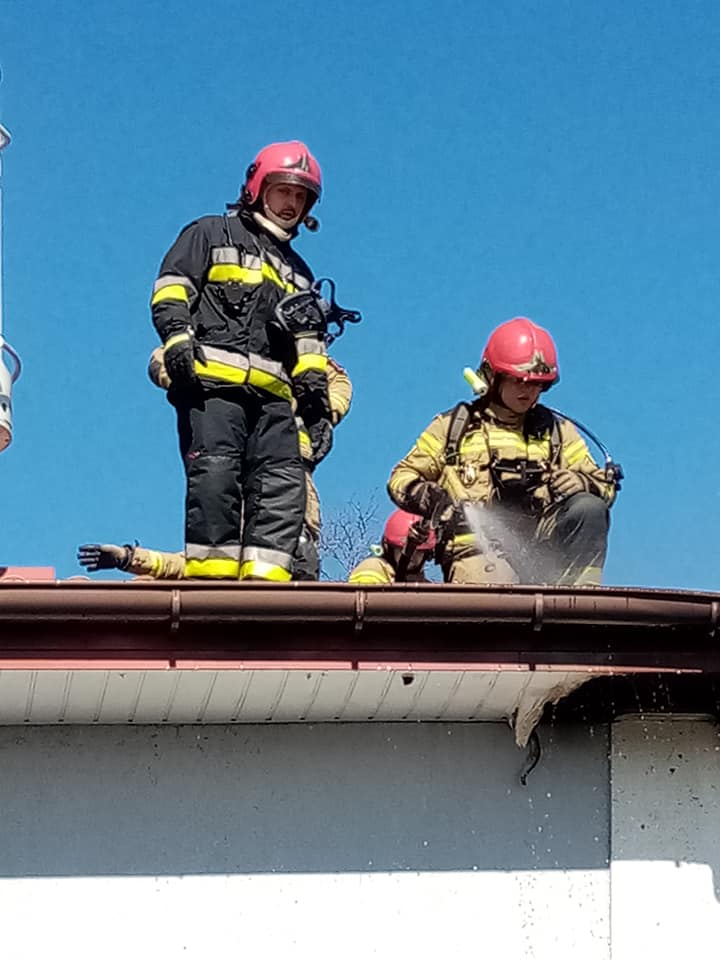 pozar3 - Pożar jednorodzinnego domu w Niemierzu (gm. Siemyśl)