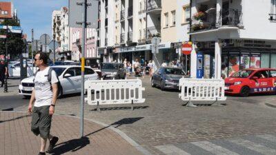 """Centrum Kołobrzegu bez ruchu samochodowego na stałe? Urząd Miasta przymierza się do jego """"wyciszenia"""""""