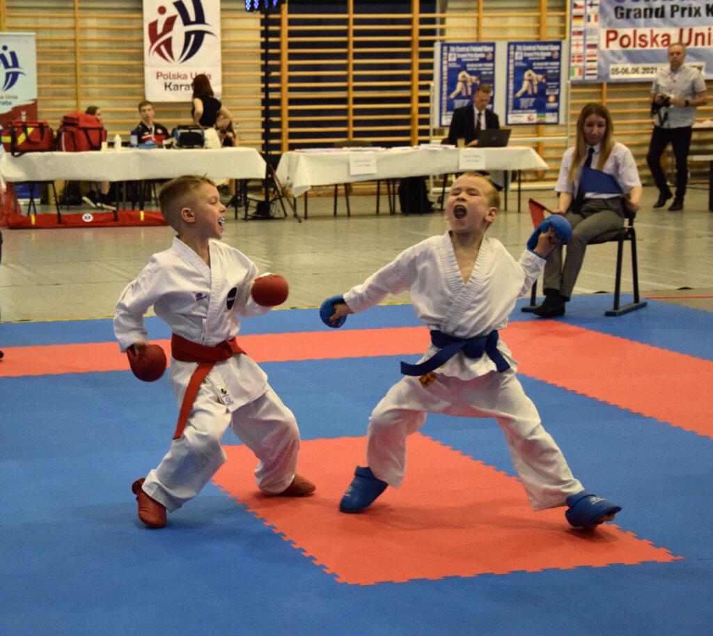 DSC 0316 1024x913 - Świetny występ młodych karateków z Morote Głowaczewo. Niespodziankę sprawili najmłodsi zawodnicy