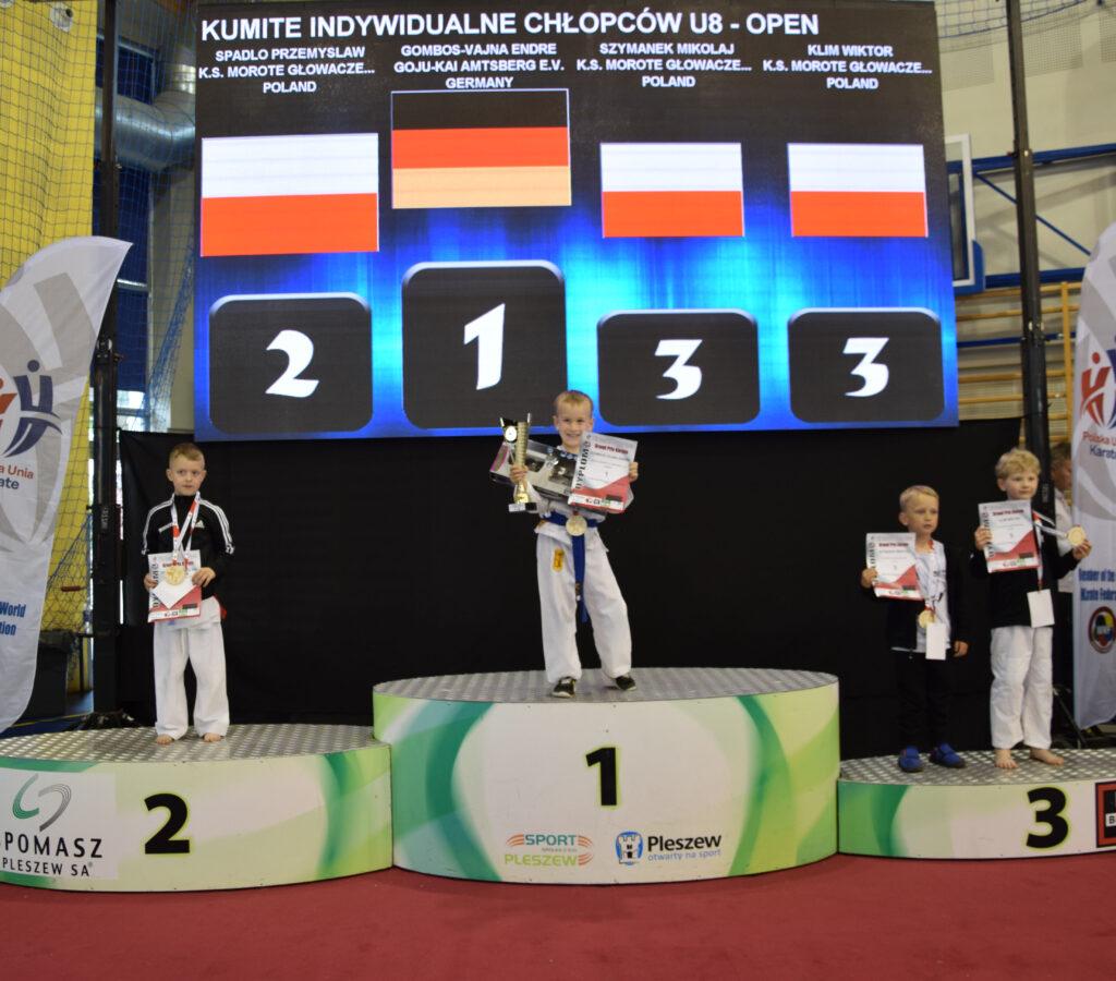 DSC 0371 1024x900 - Świetny występ młodych karateków z Morote Głowaczewo. Niespodziankę sprawili najmłodsi zawodnicy
