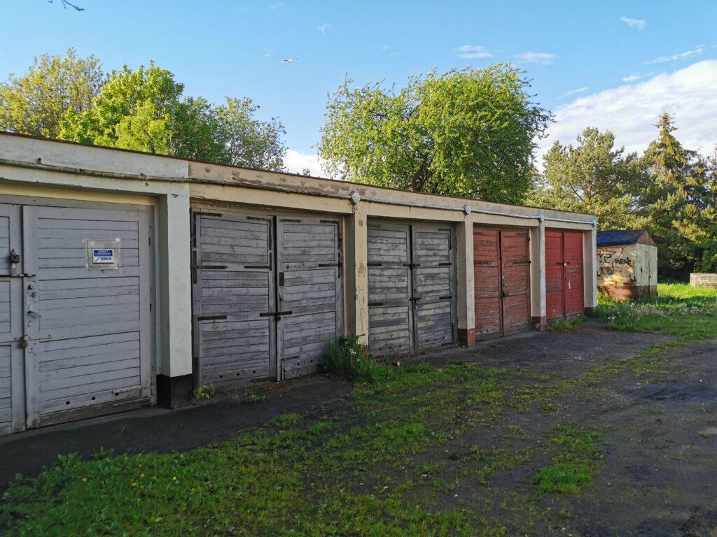 dom kolobrzeg 6 2 1024x768 - Stary budynek mieszkalny stoi zamknięty na cztery spusty. Czytelnik pyta o jego przyszłość