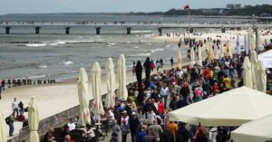 """Dlaczego Bałtyk bywa czasami nazywany """"Morzem Żółtym"""", czyli opinie internautów o Kołobrzegu"""