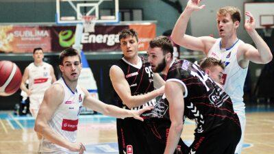 Pierwsze wzmocnienia koszykarskiej Kotwicy. Trzech zawodników dołącza do drużyny Czarodziejów z Wydm
