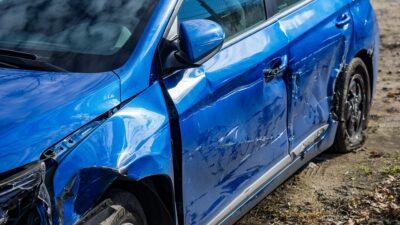19 uszkodzonych aut na sprzedaż. Ceny wywoławcze od 350 do 1000 zł