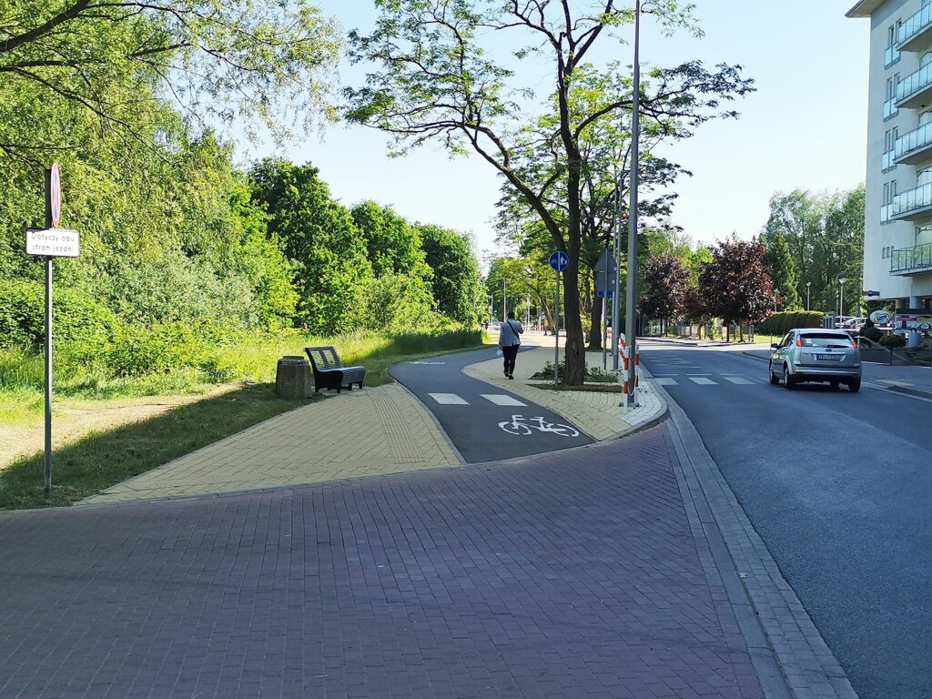 ulica wschodnia w kolobrzegu 1024x768 - Droga ku morzu nie dla rowerzystów (temat od Czytelnika)