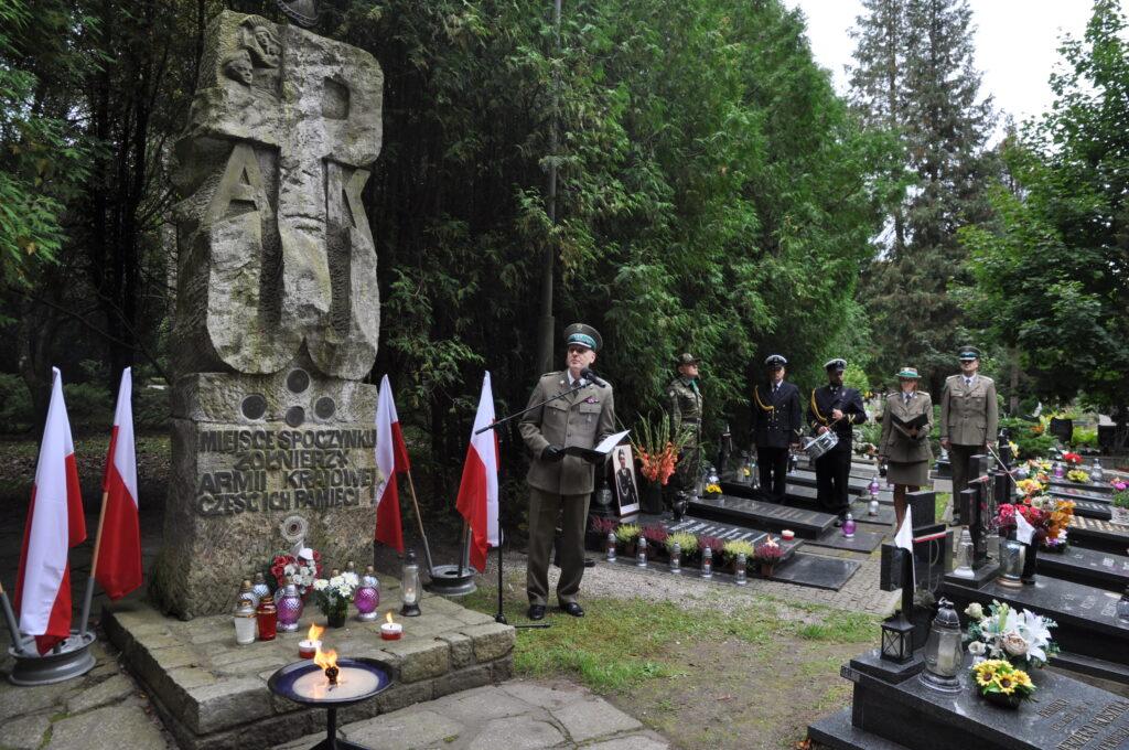 DSC 5917 1024x680 - Uroczystości przy grobie śp. płk. Mieczysława Zygmunta (ZDJĘCIA)