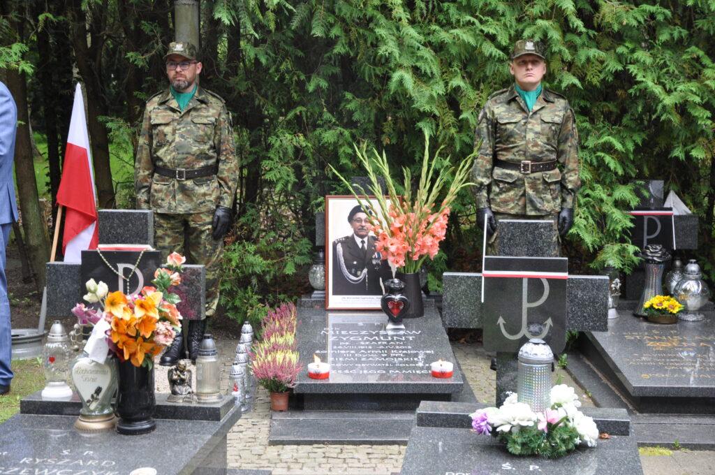 DSC 5920 1024x680 - Uroczystości przy grobie śp. płk. Mieczysława Zygmunta (ZDJĘCIA)