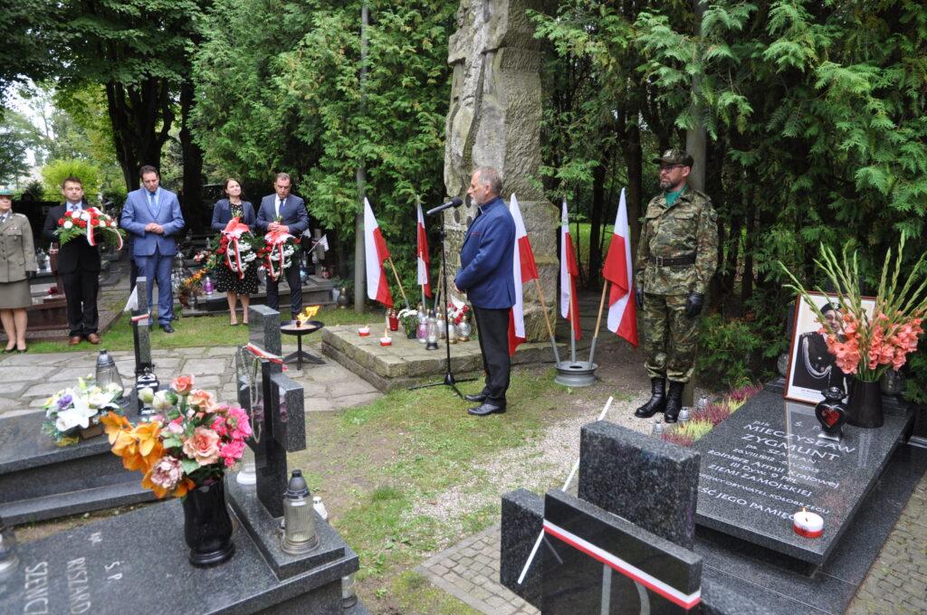 DSC 5923 1024x680 - Uroczystości przy grobie śp. płk. Mieczysława Zygmunta (ZDJĘCIA)