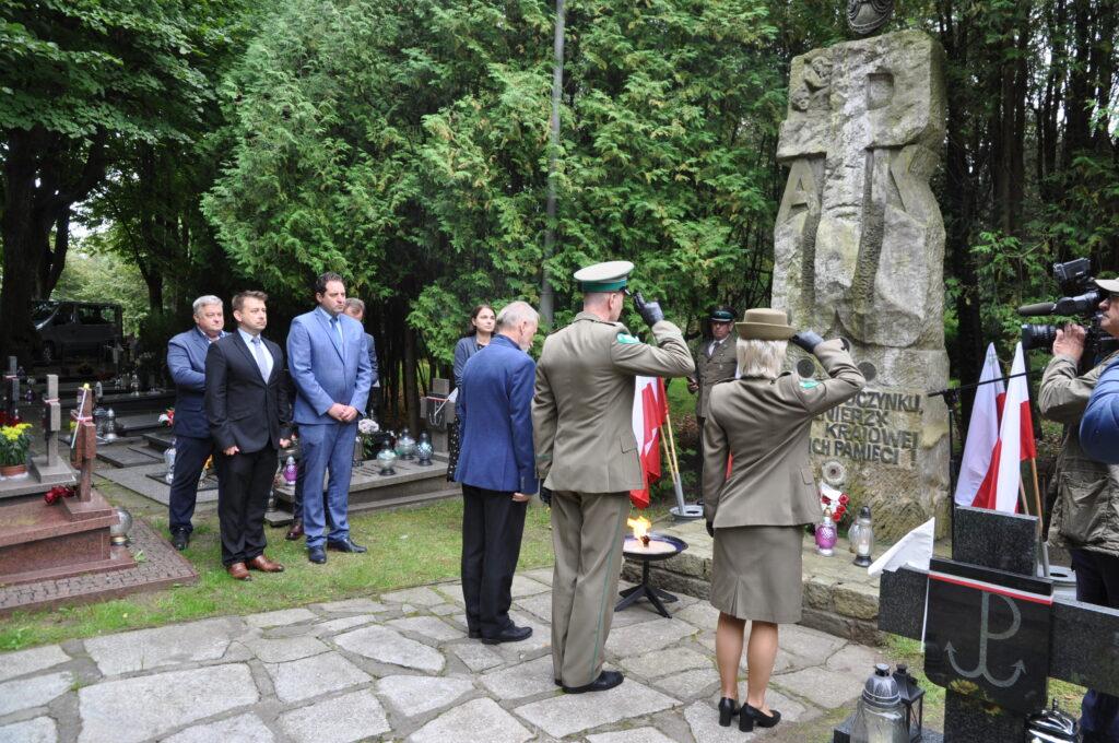 DSC 5939 1024x680 - Uroczystości przy grobie śp. płk. Mieczysława Zygmunta (ZDJĘCIA)