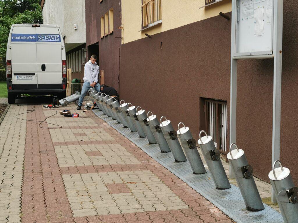 rower kolobrzeg 1024x768 - Stacja roweru miejskiego przeniesiona spod ratusza na drugą stronę ulicy. To oznacza jedno