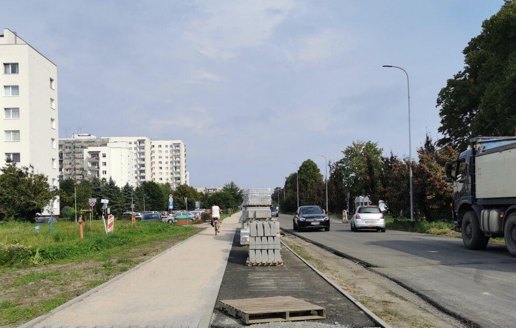 ulica 1024x650 - Nowa warstwa asfaltu na remontowanym odcinku ul. Wschodniej już położona. Kiedy koniec inwestycji?