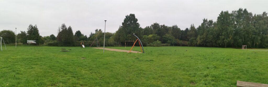 informacje z kolobrzegu 1024x335 - W Kołobrzegu powstanie nowe boisko do gry w piłkę nożną? To, co jest nie wystarcza i prowadzi do niepotrzebnych konfliktów