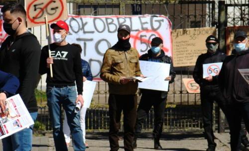 10 (1) (1) (1) (1) (1) (1) (1) - Grupa mieszkańców Kołobrzegu protestowała dziś przeciwko technologii 5G (zdjęcia, wideo)
