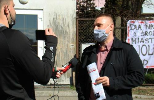 17 (1) (1) (1) (1) (1) - Grupa mieszkańców Kołobrzegu protestowała dziś przeciwko technologii 5G (zdjęcia, wideo)
