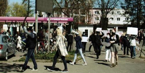 22a (1) (1) - Grupa mieszkańców Kołobrzegu protestowała dziś przeciwko technologii 5G (zdjęcia, wideo)