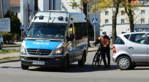 24 (1) (1) (1) (1) (1) - Grupa mieszkańców Kołobrzegu protestowała dziś przeciwko technologii 5G (zdjęcia, wideo)