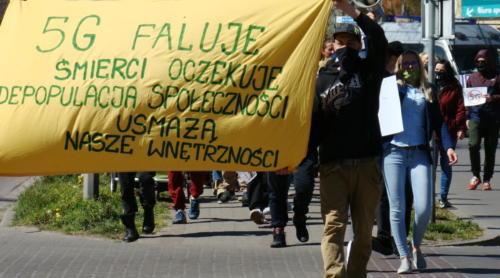 26 (1) (1) (1) (1) - Grupa mieszkańców Kołobrzegu protestowała dziś przeciwko technologii 5G (zdjęcia, wideo)