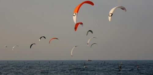30 (1) (1) (1) - Kite Challenge w Kołobrzegu po raz drugi. Latawce kitesurfingowe wracają do kurortu