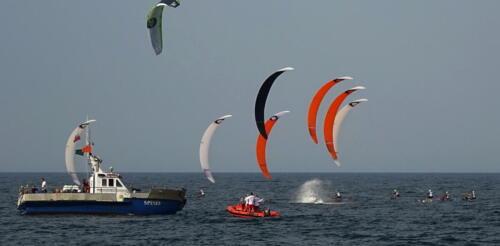 51 (1) - Kite Challenge w Kołobrzegu po raz drugi. Latawce kitesurfingowe wracają do kurortu