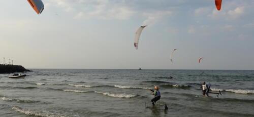 59 (1) - Kite Challenge w Kołobrzegu po raz drugi. Latawce kitesurfingowe wracają do kurortu