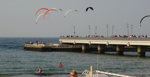61 (1) - Kite Challenge w Kołobrzegu po raz drugi. Latawce kitesurfingowe wracają do kurortu