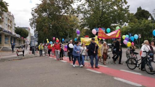 marsz10 1 - W niedzielę ulicami Kołobrzegu przeszedł Marsz dla Życia i Rodzin (ZDJĘCIA, WIDEO)