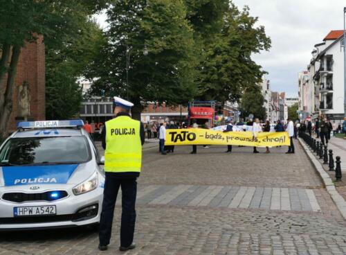 marsz3 (1) (1) - W niedzielę ulicami Kołobrzegu przeszedł Marsz dla Życia i Rodzin (ZDJĘCIA, WIDEO)