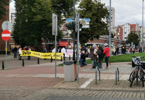 marsz (1) (1) - W niedzielę ulicami Kołobrzegu przeszedł Marsz dla Życia i Rodzin (ZDJĘCIA, WIDEO)