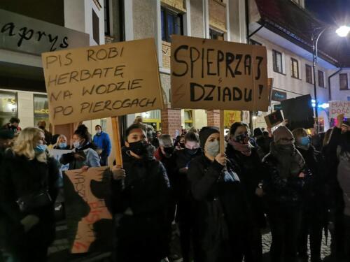 p8 (2) - Tłumy podczas Marszu ku Wolności. Kibice: Kobiety jesteśmy z Wami! (zdjęcia, wideo)