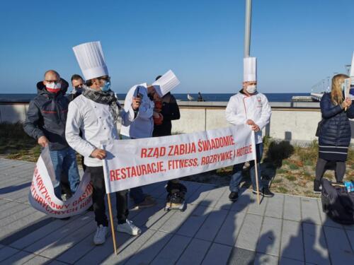 pr12 (4) - Czarna polewka dla rządzących. Dziś protestowała branża gastronomiczna (ZDJĘCIA, WIDEO)
