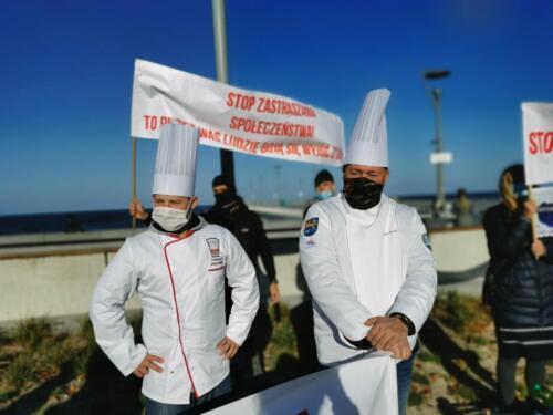 pr1 (2) - Czarna polewka dla rządzących. Dziś protestowała branża gastronomiczna (ZDJĘCIA, WIDEO)