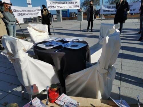pr8 (1) - Czarna polewka dla rządzących. Dziś protestowała branża gastronomiczna (ZDJĘCIA, WIDEO)