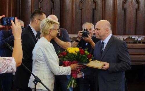 """prof (1) - Prof. Marian Rębkowski z tytułem """"Zasłużony dla Miasta Kołobrzeg"""" (ZDJĘCIA)"""